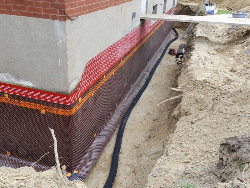 Installation membrane et drain